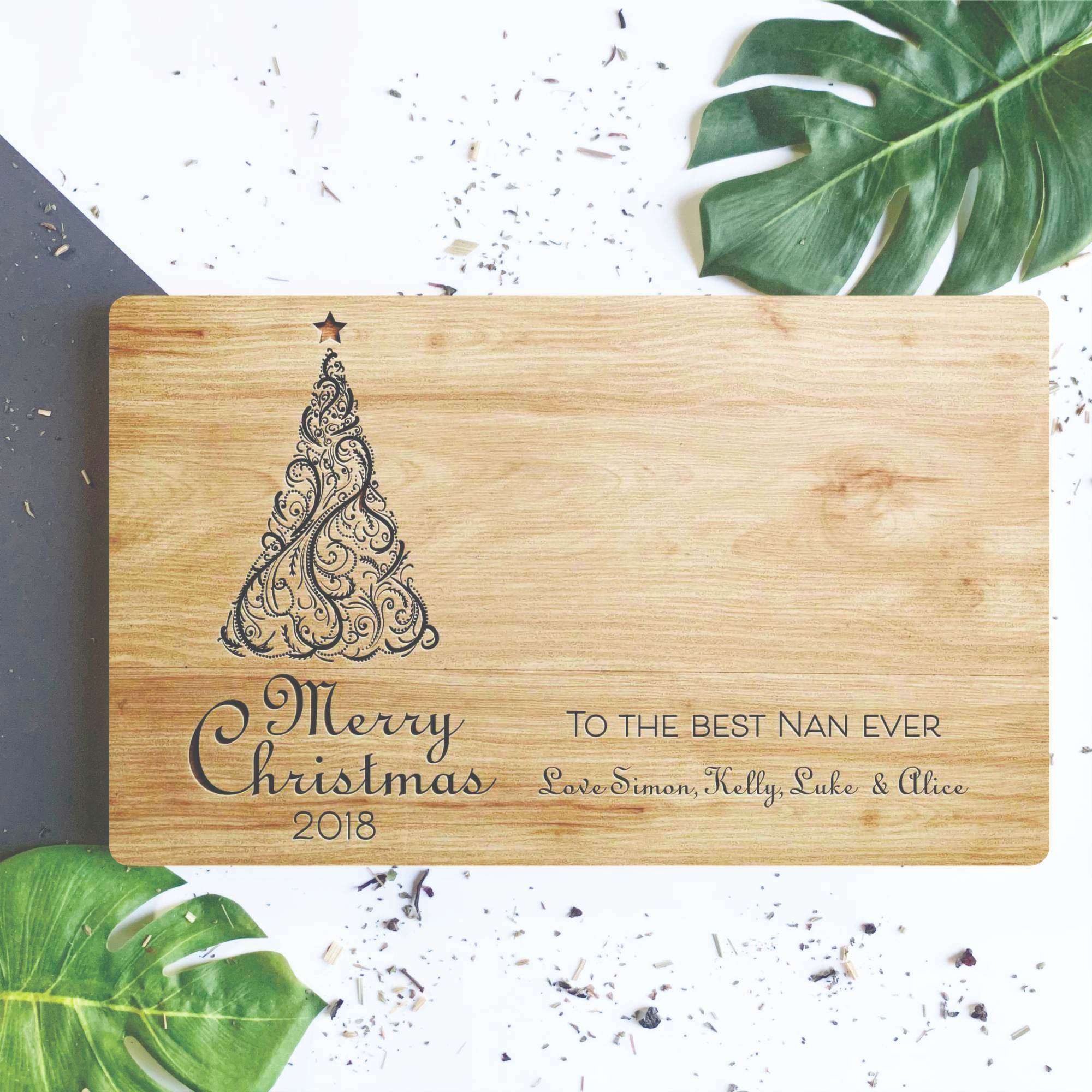 Christmas Chain Text.Merry Christmas Engraved Chopping Board