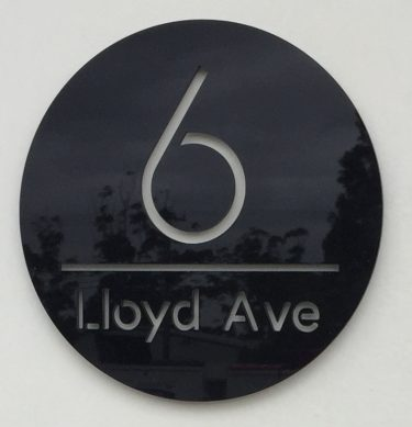 house number sign, letterbox sign